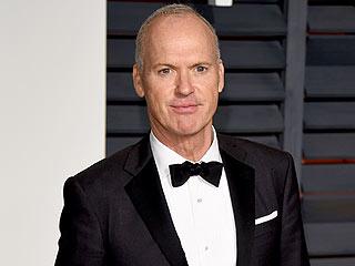 Poor Birdman! Watch Michael Keaton Put Away His Oscar Acceptance Speech After Losing to Eddie Redmayne