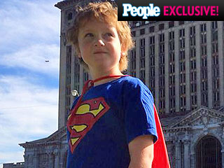 Meet 'Super Ewan' – the 8-Year-Old Michigan Kid Who Helps the Homeless