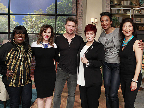 Alyssa Milano visits the ladies of The Talk