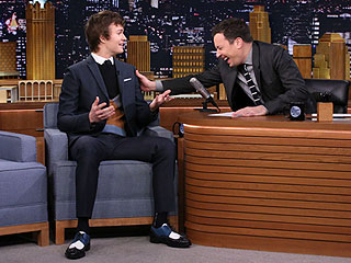 Ansel Elgort's Mom Doesn't Know Who Bruce Willis Is  (VIDEO)