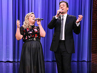 Watch Kelly Clarkson and Jimmy Fallon Sing the History of Duets | Jimmy Fallon, Kelly Clarkson