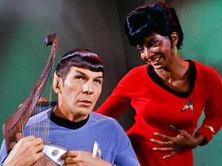 Nichelle Nichols Remembers Leonard Niomy: He Made Star Trek into TV History