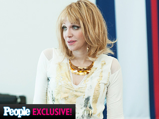Revenge First Look: Courtney Love Guest Stars ... and You'll Never Believe Her Character's Name | Courtney Love
