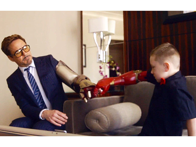 Robert Downey Jr Giving A Little Boy A Bionic Arm Video