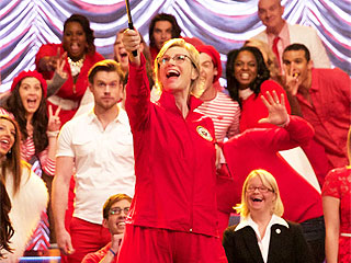 Glee Series Finale Recap: The New Directions Don't Stop Believin' for One Minute