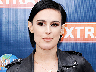 Photographers Respond to Rumer Willis' Claim That They Photoshopped Her Jaw to Appear Smaller | Rumer Willis