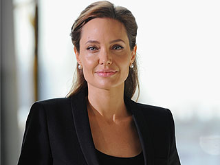 Angelina Jolie's Surgery Revelation: Support Pours in from Stars and Fans on Twitter