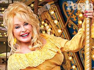 What It's Like Shooting Dolly Parton: She's 'So Energetic and Limber!'