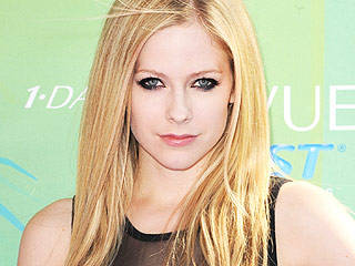 VIDEO: Avril Lavigne Launches Campaign to Fight Lyme Disease | Avril Lavigne