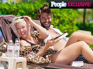 Jennie Garth Celebrates Her 43rd Birthday with Boyfriend and a Bikini (PHOTOS)