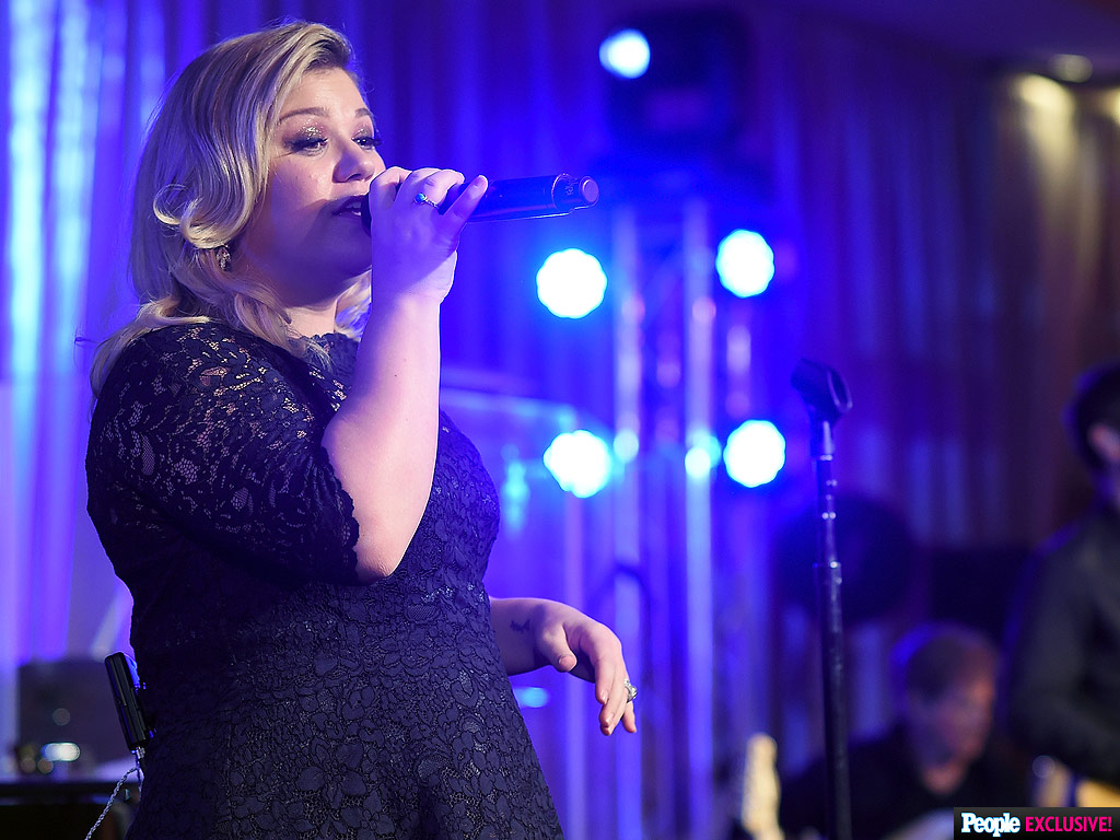 Kelly Clarkson's Best Covers Roundup