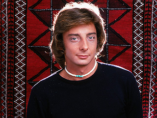 Throwback Thursday: Read Barry Manilow's 1977 PEOPLE Cover Story