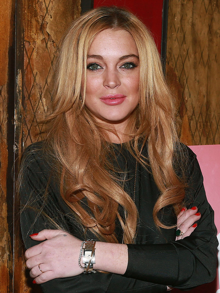 Lindsay Lohan: Actress Accidentally Tweets 'You're a Donkey' in A...