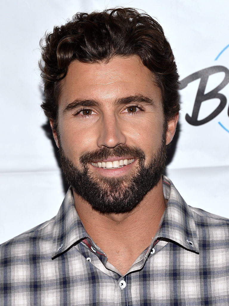 The 34-year old son of father Bruce Jenner and mother Linda Thompson, 179 cm tall Brody Jenner in 2018 photo