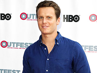 Looking Past, Moving Forward: Jonathan Groff's Silver Lining after HBO Cancelation | Jonathan Groff