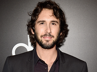 Find Out Josh Groban's Go-To Pickup Line