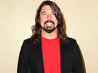 FROM EW: Dave Grohl Was 'Terrified' to watch Kurt Cobain Documentary