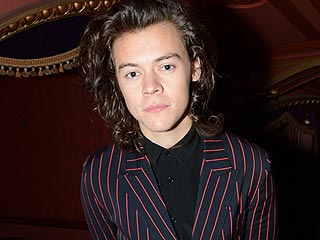 Chelsea Handler Shows Off Her 'Harry' Bottoms with Harry Styles (PHOTO)