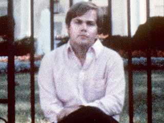 Presidential Shooter John Hinckley Jr. Has a Girlfriend: Reports