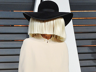 What Happens When Sia Forgets Her Trademark Wig (VIDEO)