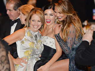 Chrissy Teigen Shows Off Her Legs – and Jenna Dewan-Tatum Cops a Feel