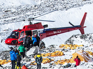 'We Were the Lucky Ones,' Says Everest Avalanche Survivor