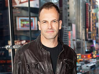 Jonny Lee Miller: How Running 50 Miles Can Save a Child's Life