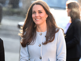 Controversial Artist Debuts New Painting of Pregnant Princess Kate Outside St. Mary's Hospital (PHOTO)