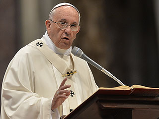 Pope Francis Calls Pay Disparities Between Women and Men a 'Pure Scandal'