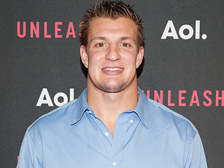 Couple Sue Amazon, Apple over Erotic Rob Gronkowski E-Book A Gronking to Remember