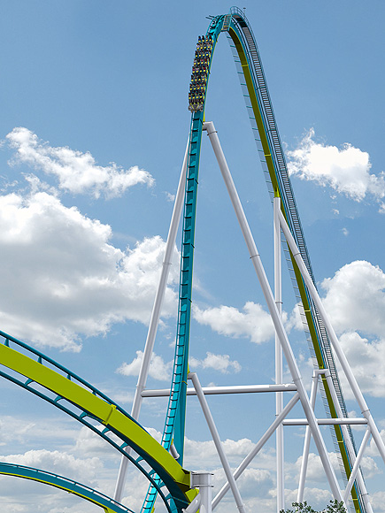 carowinds fury 325 roller coaster stuck for third time in a week. Black Bedroom Furniture Sets. Home Design Ideas