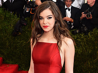 FROM EW: Pitch Perfect 2's Hailee Steinfeld Lands Record Deal