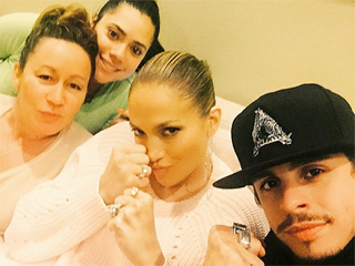 J. Lo and Casper Smart Put Up Their Dukes Before the 'Fight of the Century' (PHOTO)