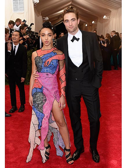Robert Pattinson Engaged: FKA Twigs Coy on Details