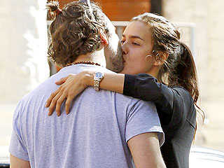 See Bradley Cooper and Irina Shayk Share a Steamy Kiss in London (PHOTO)