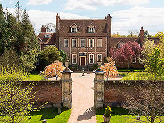 Live Like the Dowager Countess – Downton Abbey Manor Home for Sale