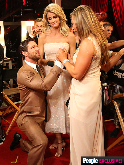 Noah Galloway Proposes Live on DWTS – and She Says 'Yes!'| Couples, Engagements, Dancing With the Stars, People Picks, TV News
