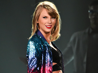 Teen Thanks Taylor Swift for Saving Her Friends' Lives After Accident – with a Light-Up Bracelet from Singer's Concert