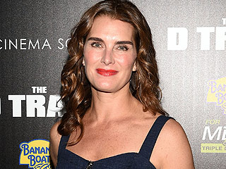 Brooke Shields Talks Giving Birth on the Same Day – and in the Same Hospital – as Katie Holmes: 'I Thought the Helicopters Were for Me!'
