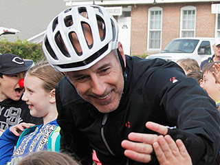 Inside Matt Lauer's 225 Mile-Bike Ride for Red Nose Day: 'People Couldn't Have Been Nicer'   Matt Lauer