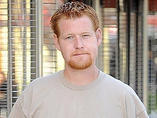 Arrest Warrant Issued for Redmond O'Neal, Ryan O'Neal and Farrah Fawcett's Troubled Son