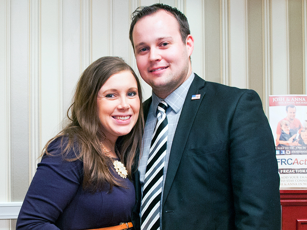 Josh Duggar Cheating Scandal: Anna Duggar Unlikely to Leave, Says Source