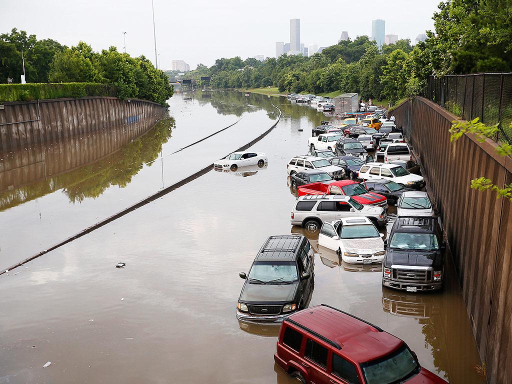 18 Dead in Texas and Oklahoma Floods, 40 Still Missing