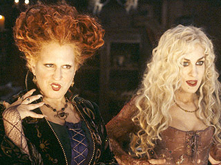 Hocus Pocus Witches to Join Other Disney Villains Onstage | Hocus Pocus, Bette Midler, Kathy Najimy, Sarah Jessica Parker