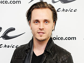 FROM EW: First Look at Jonathan Jackson's Return to General Hospital