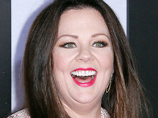 CITA: Melissa McCarthy Buys Skirt Right off Saleswoman in Boston