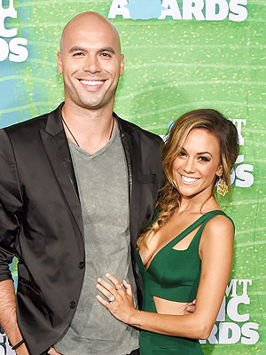 Jana Kramer Pregnant Expecting First Child with Michael Caussin