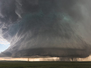 Stunning Colorado Storm Photo Appears to Show Two Tornadoes Sprouting from One Thunderstorm