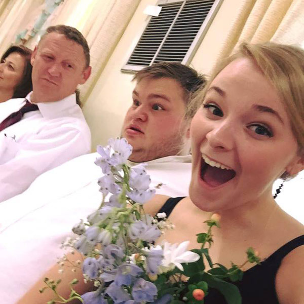 Georgia Couple Defend Their Love After Bouquet Selfie Gets Negative Comments: Our Relationship 'Is Not About Looks'| Good Deeds, Around the Web, Real People Stories
