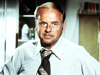 Dick Van Patten, Who Starred in Eight Is Enough and The Love Boat, Dies at 86